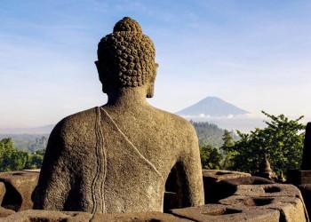 """Auf dem """"Gipfel"""" des Tempels Borobudur auf Java"""