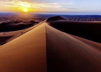 Gelegenheit zum Besuch der Dünen am Rand der Sahara bei Sonnenuntergang