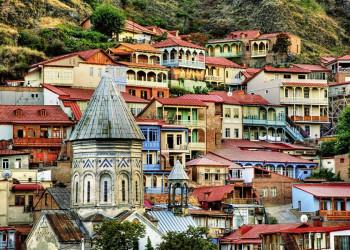 Die Altstadt von Tiflis mit ihren bunten Häusern