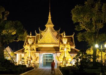 Unvergesslich: Wir radeln nachts durch Bangkok und erleben eine ganz andere Megacity.
