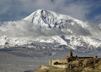 Kloster Chor Wirab vor der Kulisse des Ararat