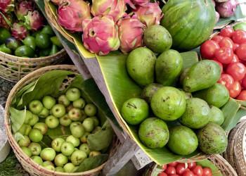 Indonesische Märkte locken mit buntem Obst und Gemüse