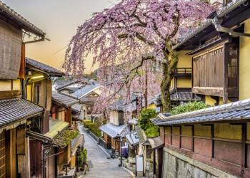 Traditionelles Japan in den Altstadtgassen von Kyoto und Kanazawa