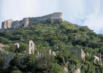 Die spektakulär gelegenene byzantinische Ruinenstadt Mistra auf dem Peloponnes
