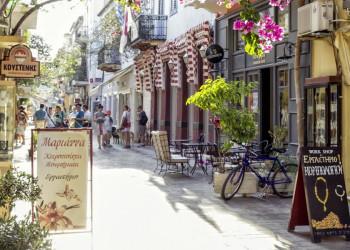 Griechische Lebensart in den Gassen von Nauplia