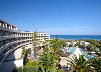 Das Hotel Agapi Beach am Strand von Ammoudara