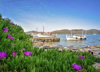 Kleine Hafenorte findet man auf Kreta immer wieder