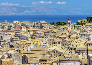 Blick auf die Altstadt von Korfu-Stadt