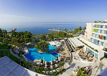 Das komfortable Badehotel Mediterranean Beach in Limassol
