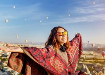 Heißluftballone über Kappadokien bei Sonnenaufgang