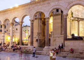 Der Eingang zur Kathedrale in Split