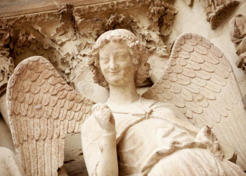 Lächelnder Engel an der Kathedrale von Reims