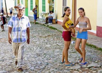 Straßenszene in Kuba