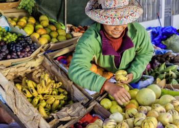 Markttag in Pisak in Peru