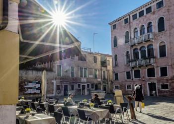Dolce Vita in einem venezianischen Café