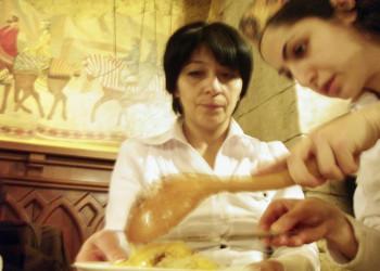 Bei der Zubereitung armenischer Spezialitäten