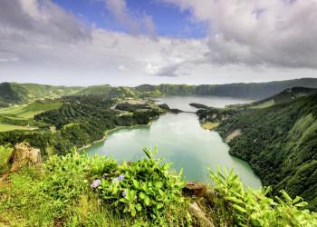 Kraterlagunen von Sete Cidades auf der Azoreninsel Sao Miguel