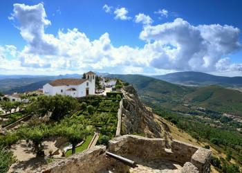 Die denkmalgeschützte Ortschaft Marvao hoch über dem Alentejo