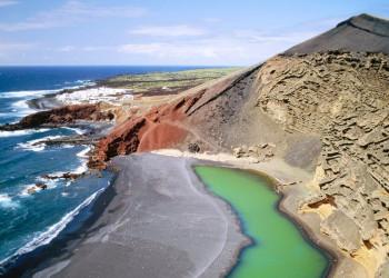 Küste im Timanfaya-Nationalpark auf Lanzarote