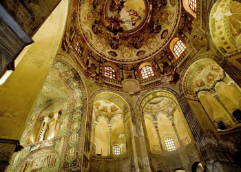 Prachtvoll: die Basilika S. Vitale in Ravenna