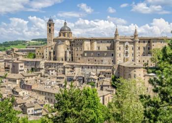 Der mächtige Palazzo Ducale in Urbino, heute Nationalgalerie