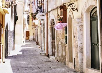 Gasse in der Altstadt von Bari