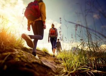 Wandern in der Gruppe wird auf Sardinien zum Naturerlebnis.