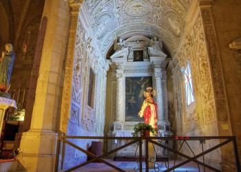 Das kunstvolle Innere der Kirche S. Francesco in Tarquinia