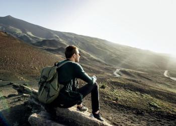 Kleine Pause bei der Wanderung am Ätna