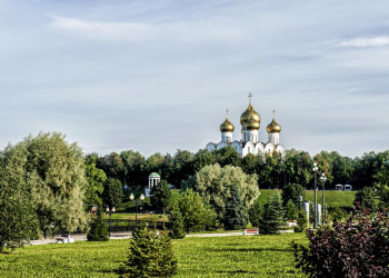 Viele goldene Kuppeln, nicht nur in Jaroslawl
