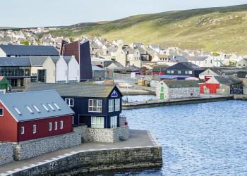 Am Hafen von Lerwick auf den Shetlandinseln