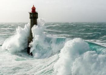 An den Küsten der Bretagne geht es wild zu