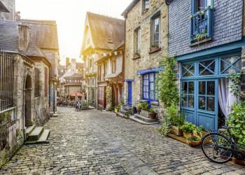 Malerisches Dorf in der Bretagne