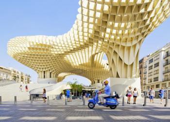 Blick auf den Metropol Parasol in Sevilla