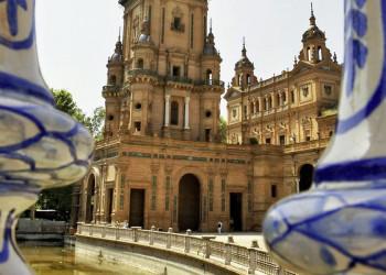 Unterwegs in Sevilla: die Plaza de Espana