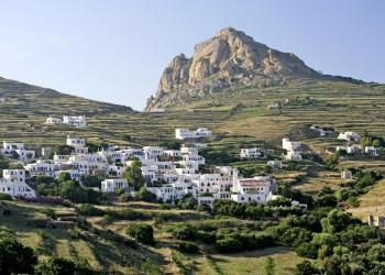 Dorfidyll auf Tinos - wer sieht die Taubentürme?